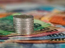 Пари, свободен пазар, и капитализъм